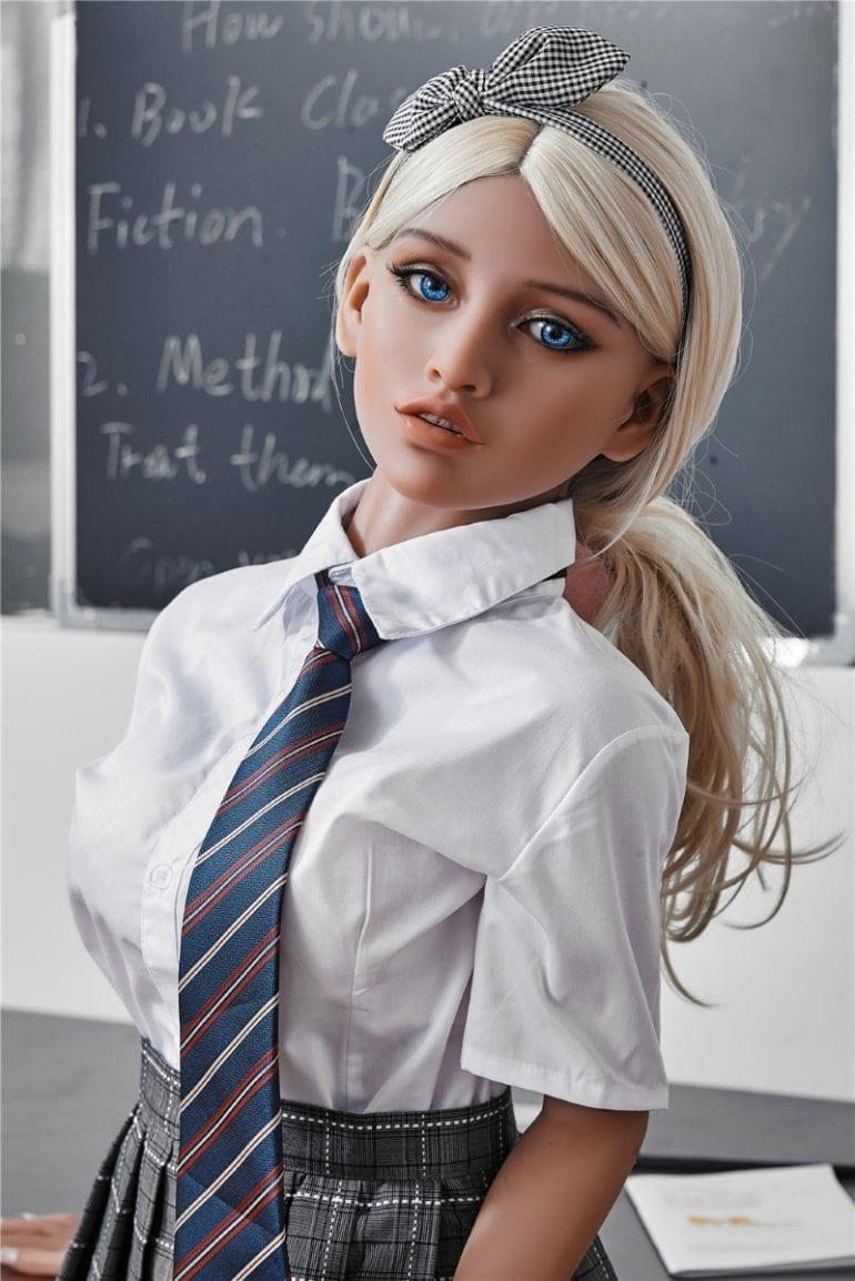 Irontech Doll 150 cm A-Cup 7 élethű szexbaba