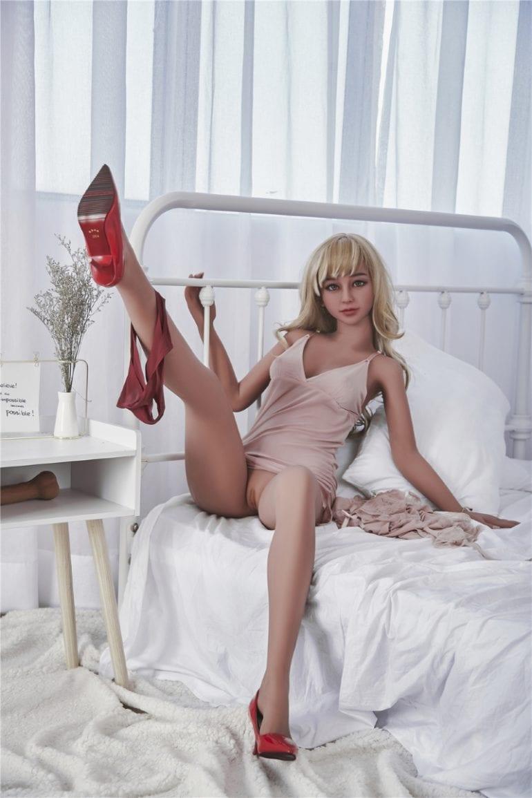 Irontech Doll 155 cm A-Cup 12 élethű szexbaba