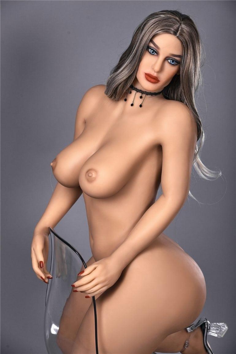 Irontech Doll 156 cm E-Cup 7 élethű szexbaba