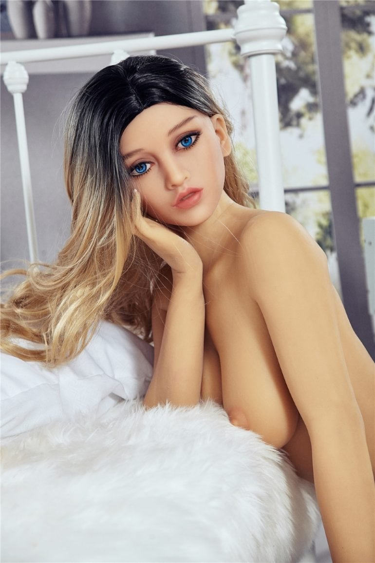 Irontech Doll 163 cm B-Cup 7 élethű szexbaba