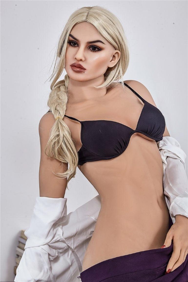 Irontech Doll 168 cm B-Cup 6 élethű szexbaba