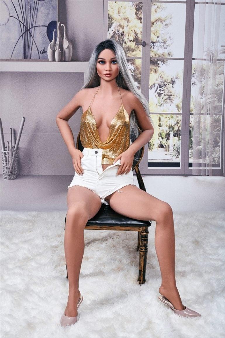 Irontech Doll 168 cm C-Cup 4 élethű szexbaba