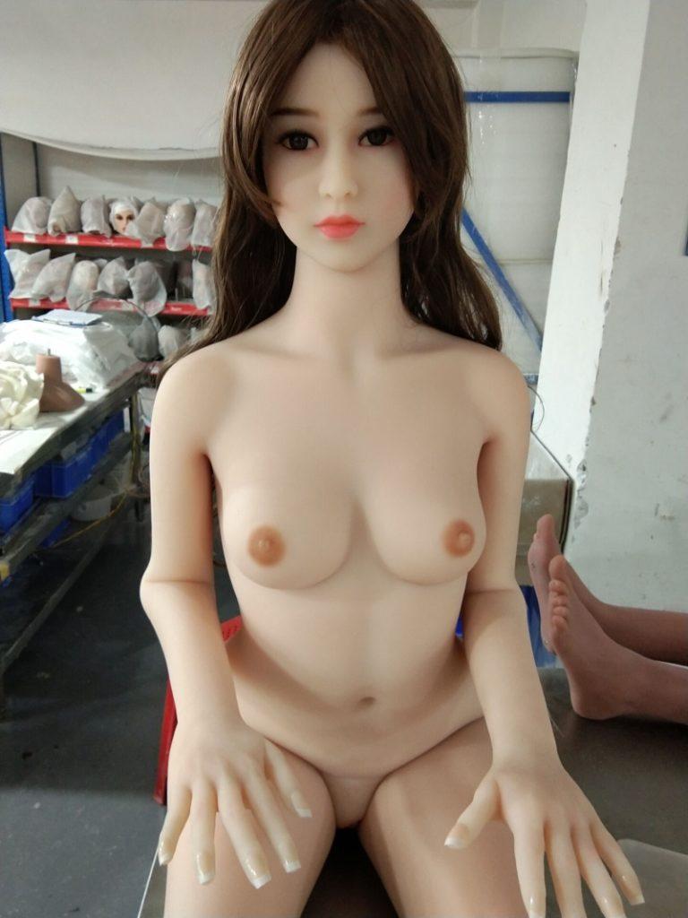 Legyártott élethű szexbaba